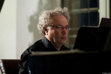 Jerzy Tosik-Warszawiak (fortepian)