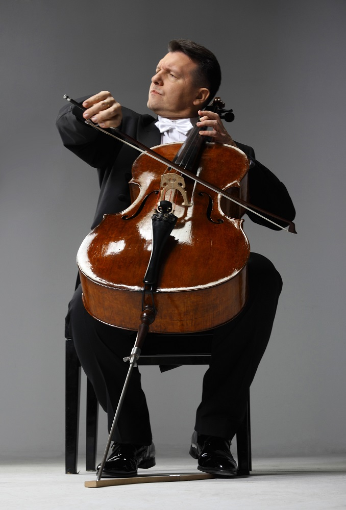 Tomasz Strahl (wiolonczela)