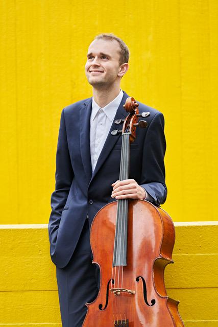 Maciej Kułakowski (wiolonczela)